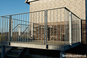 Voorbeeld industrieel balkonhekwerk